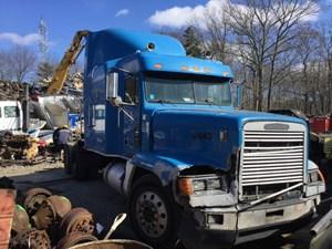 Wrecked 1993 Freightliner FLD120 restoration
